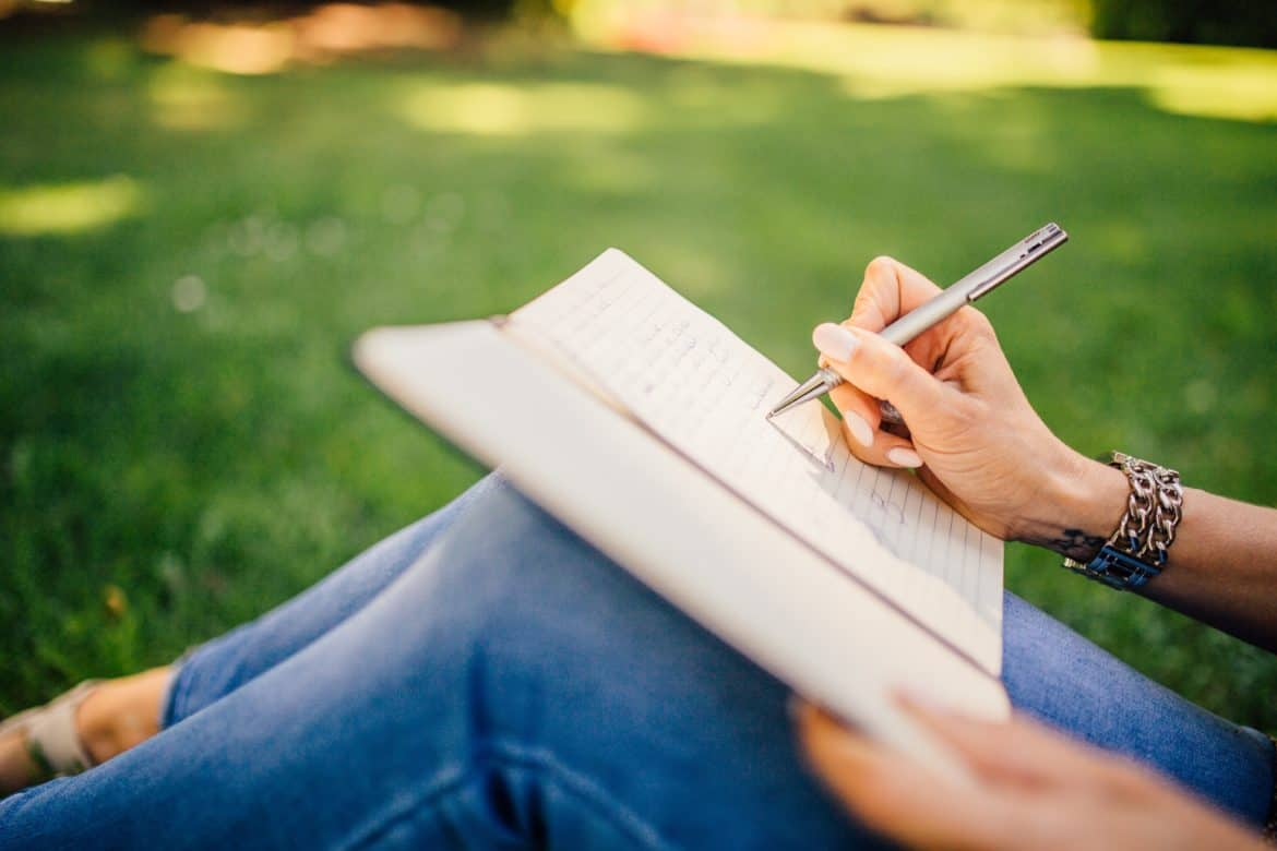 journaling- how to get rid of negative energy from your life