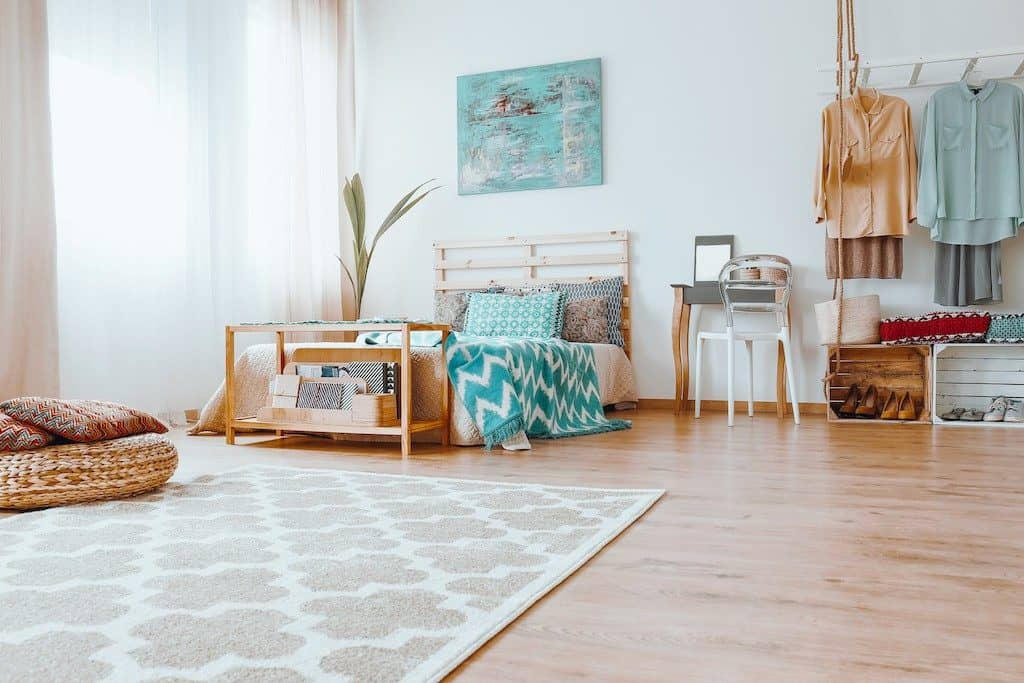 Bad morning habits to quit- not decluttering